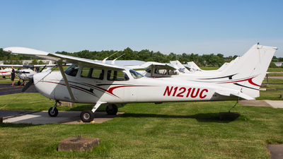 N121UC - Cessna 172R Skyhawk - Private