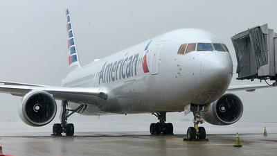 N392AN - Boeing 767-323(ER) - American Airlines