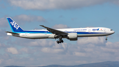 A picture of JA792A - Boeing 777381(ER) - All Nippon Airways - © Paul Buchröder