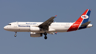 7O-AFA - Airbus A320-233 - Yemenia - Yemen Airways