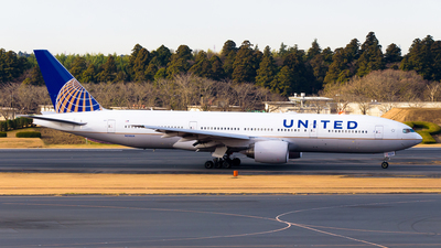 N210UA - Boeing 777-222(ER) - United Airlines