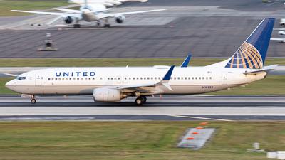 N18223 - Boeing 737-824 - United Airlines
