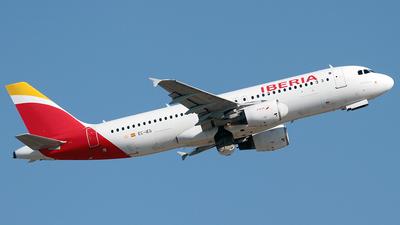 A picture of ECIEG - Airbus A320214 - Iberia - © Cesar Prieto