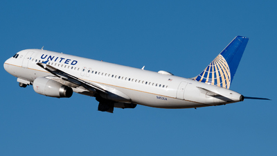 A picture of N453UA - Airbus A320232 - United Airlines - © Michael Place