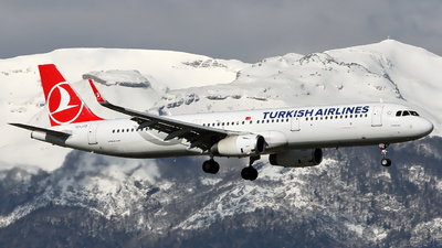A picture of TCJTD - Airbus A321231 - Turkish Airlines - © Claude Davet