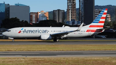 A picture of N941AN - Boeing 737823 - American Airlines - © Brian Boche