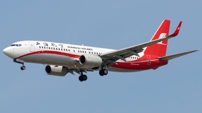 B-5692 - Boeing 737-8SH - Shanghai Airlines