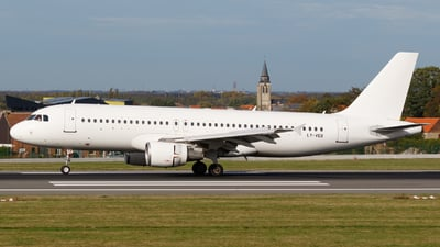 LY-VEB - Airbus A320-214 - Avion Express