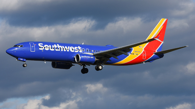 N8690A - Boeing 737-8H4 - Southwest Airlines