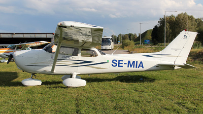 SE-MIA - Cessna 172S Skyhawk SP - Private