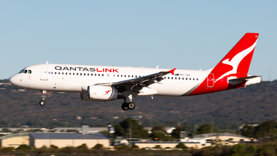 A picture of VHJQX - Airbus A320232 - Qantas - © Joel Baverstock