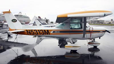 A picture of N5313M - Cessna 152 - [15284527] - © La Roche Spotters