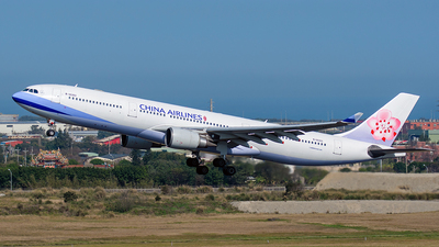 A picture of B18303 - Airbus A330302 - China Airlines - © ECHO