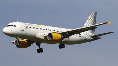 A picture of ECJSY - Airbus A320214 - Vueling - © Nigel Fenwick