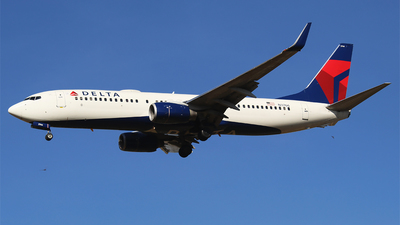 A picture of N3766 - Boeing 737832 - Delta Air Lines - © Alejandro Aceves