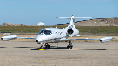 A picture of N913CK - Learjet 35 - Kalitta Charters - © Miles Aronovitz