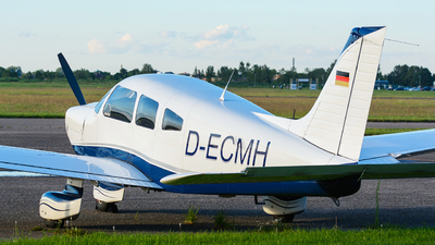 D-ECMH - Piper PA-28-181 Archer II - Private