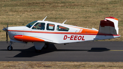 D-EEOL - Beechcraft V35B Bonanza - Private