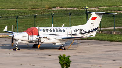B-3582 - Beechcraft B300 King Air 350 - Civil Aviation Administration of China (CAAC)