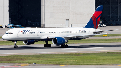 A picture of N674DL - Boeing 757232 - Delta Air Lines - © xuxinyi1000