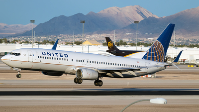 A picture of N25201 - Boeing 737824 - United Airlines - © Iván Cabrero