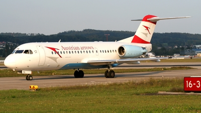OE-LFQ - Fokker 70 - Austrian Arrows