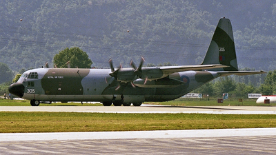 XV305 - Lockheed Hercules C.3 - United Kingdom - Royal Air Force (RAF)