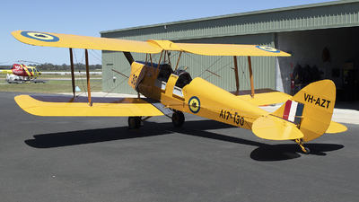 VH-AZT - De Havilland DH-82 Tiger Moth - Private