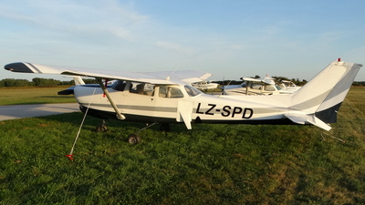LZ-SPD - Cessna 172RG Cutlass RG - Private