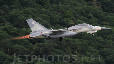 1427 - AIDC F-CK-1A Ching Kuo - Taiwan - Air Force