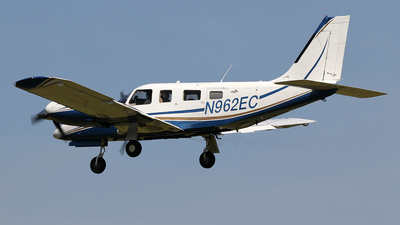 N962EC - Piper PA-34-220T Seneca V - Private