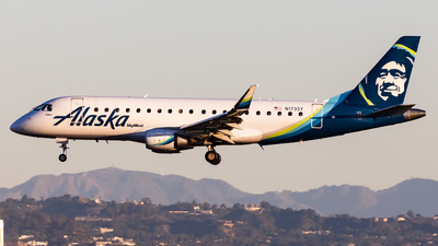 A picture of N173SY - Embraer E175LR - Alaska Airlines - © Brandon Giacomin