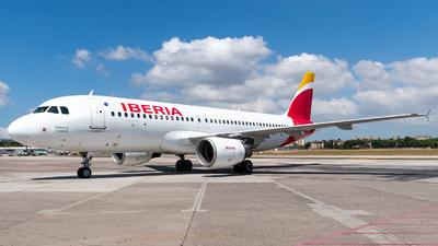 A picture of ECILS - Airbus A320214 - Iberia - © Marcello Montagna spotter_napoli