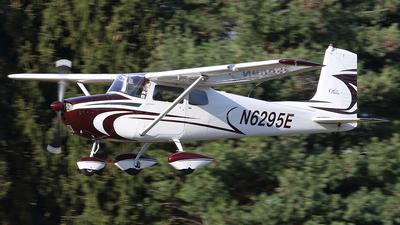 A picture of N6295E - Cessna 172 Skyhawk - [46395] - © Joe Osciak