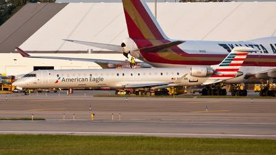 A picture of N547NN - Mitsubishi CRJ900LR - American Airlines - © steve