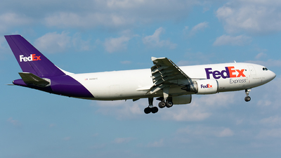 A picture of N650FE - Airbus A300F4605R - FedEx - © Wes B