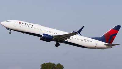 N876DN - Boeing 737-932ER - Delta Air Lines
