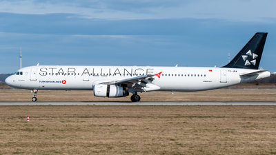 A picture of TCJRA - Airbus A321231 - Turkish Airlines - © marfi80