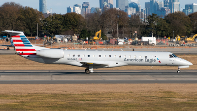 A picture of N656AE - Embraer ERJ145LR - American Airlines - © Devin R