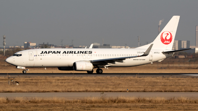 JA312J - Boeing 737-846 - Japan Airlines (JAL)