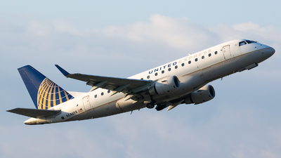 A picture of N648RW - Embraer E170SE - United Airlines - © Evan Dougherty