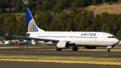 N62889 - Boeing 737-924ER - United Airlines