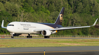 A picture of N360UP - Boeing 76734AF(ER) - UPS - © SpotterPowwwiii