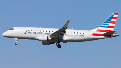 A picture of N219NN - Embraer E175LR - American Airlines - © Eric Esots