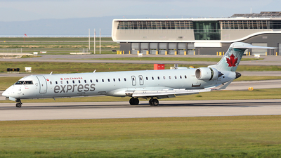 C-FBJZ - Bombardier CRJ-705LR - Air Canada Express (Jazz Aviation)