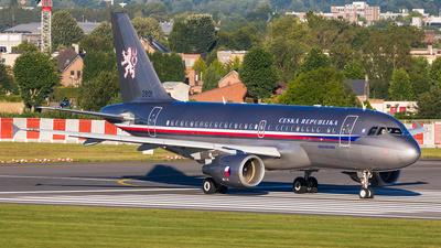 2801 - Airbus A319-115X(CJ) - Czech Republic - Air Force