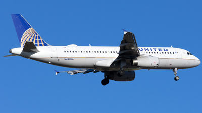 A picture of N442UA - Airbus A320232 - United Airlines - © Michael Place