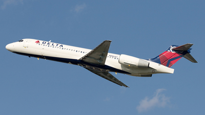 N985AT - Boeing 717-231 - Delta Air Lines