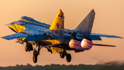 RF-95444 - Mikoyan-Gurevich MiG-31BM Foxhound - Russia - Air Force