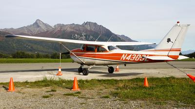 A picture of N4303L - Cessna 172G Skyhawk - [17254372] - © C. v. Grinsven